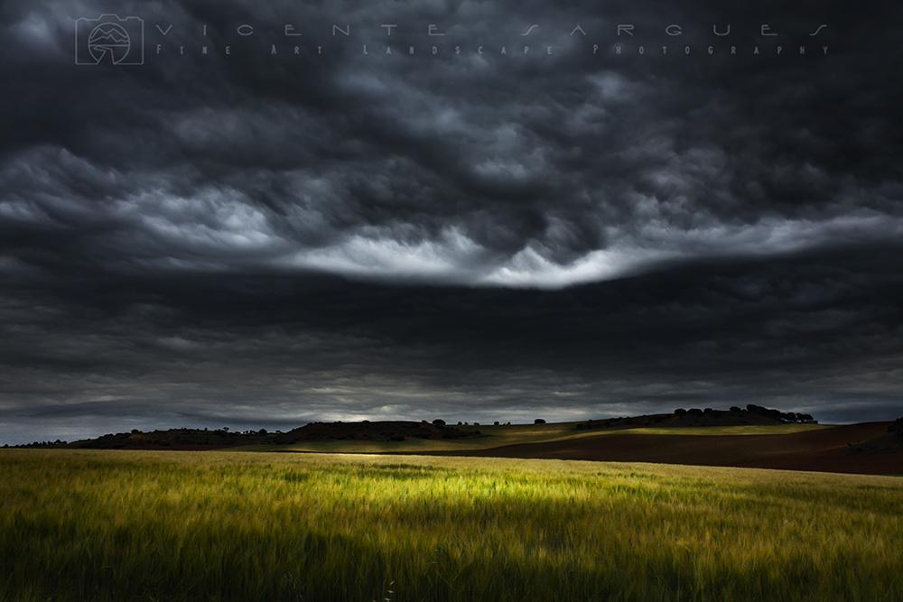 Campos y tormenta