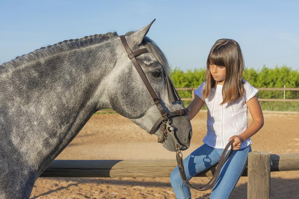 Vera con caballo